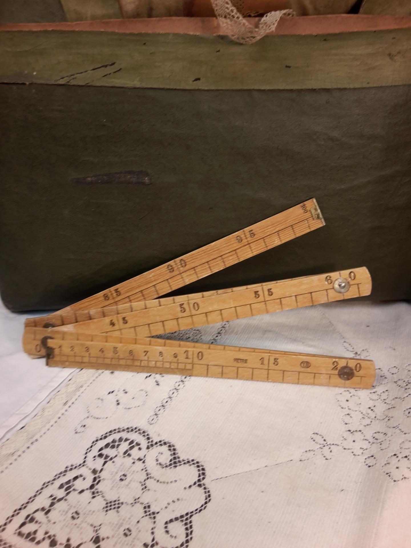 M tre pliant de couture m tre en bois de couturi re for Couturiere en bois