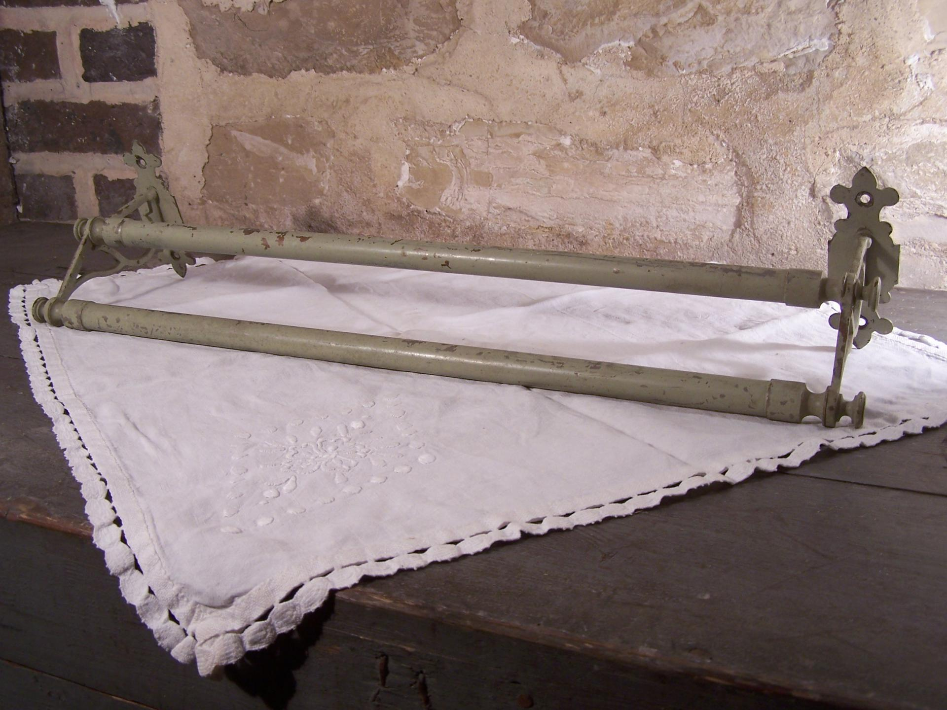 porte serviettes ancien. Black Bedroom Furniture Sets. Home Design Ideas