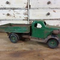 0 camion en tole vert