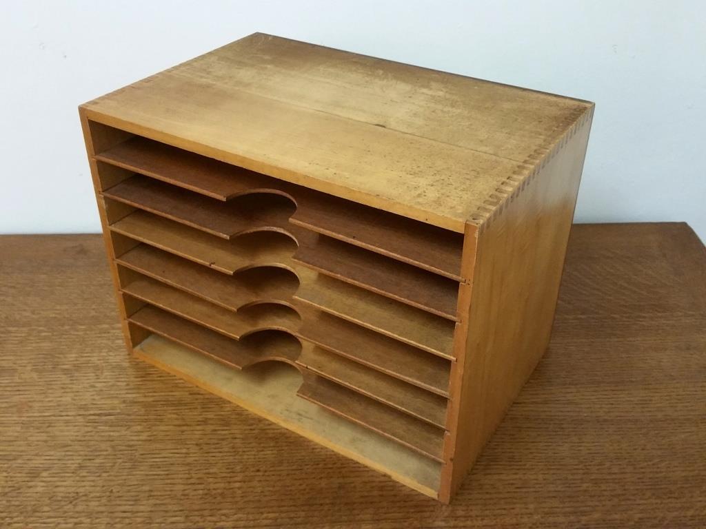 Ancien classeur de bureau en bois vernis meuble de métier