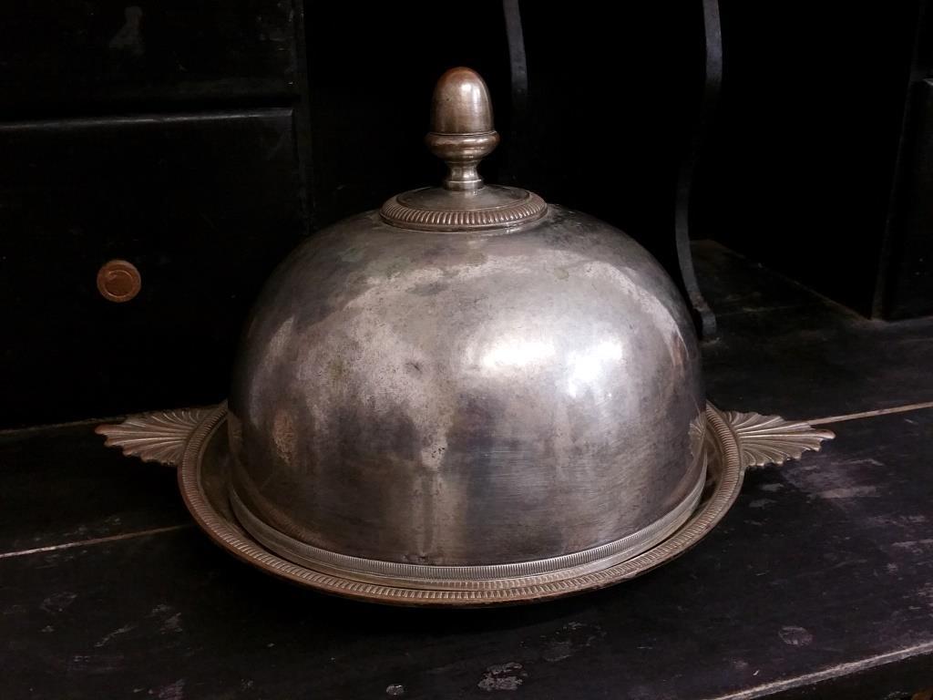 0 cloche en metal argente