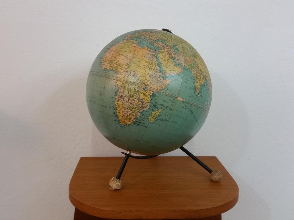 0 globe terrestre taride