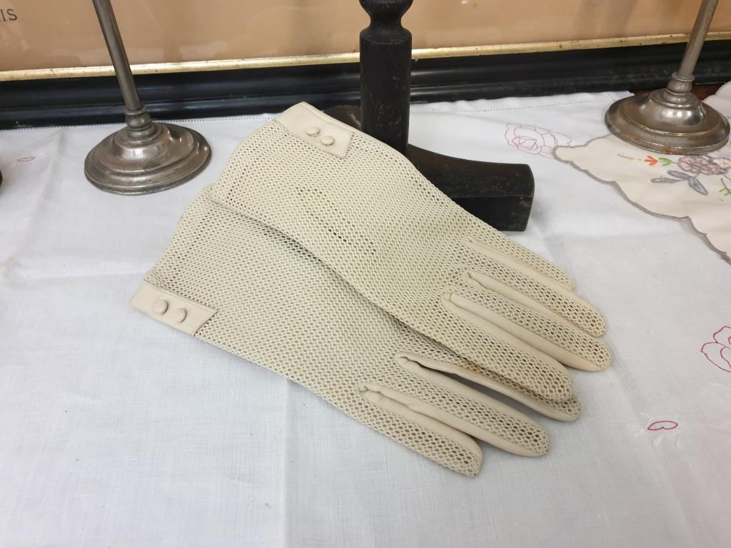 0 paire de gants de femme 2