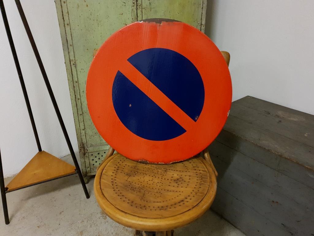 0 panneau interdiction stationner