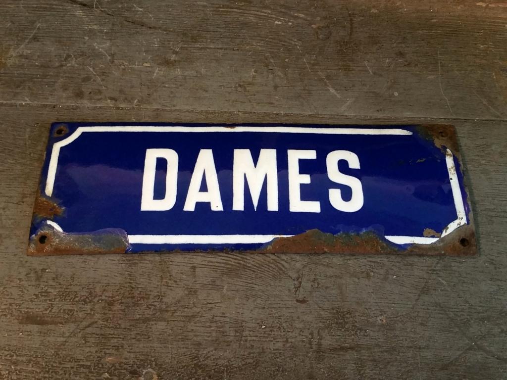 0 plaque emaillee dames