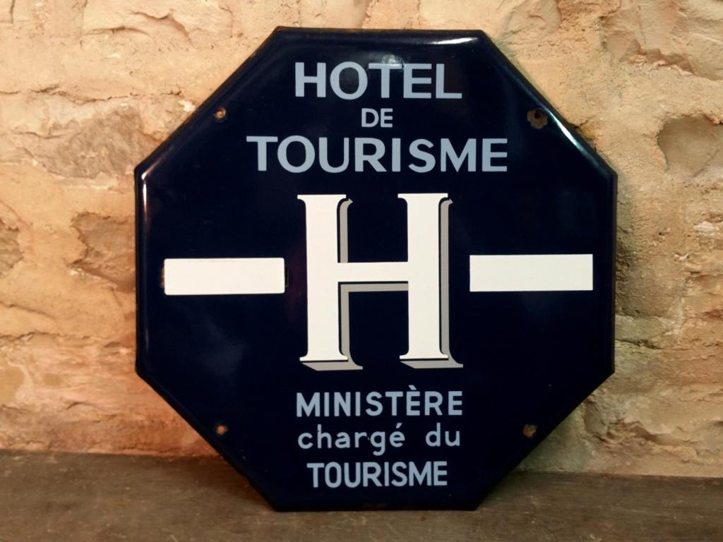 0 plaque hotel de tourisme