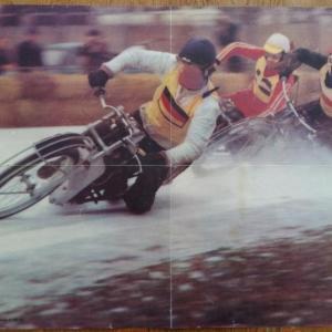 0 poster motos sur la neige