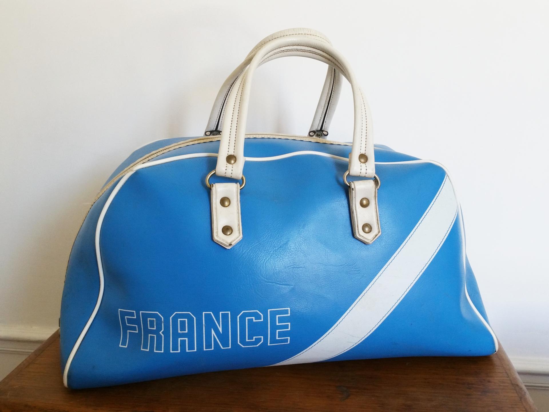 0 sac de sport bleu