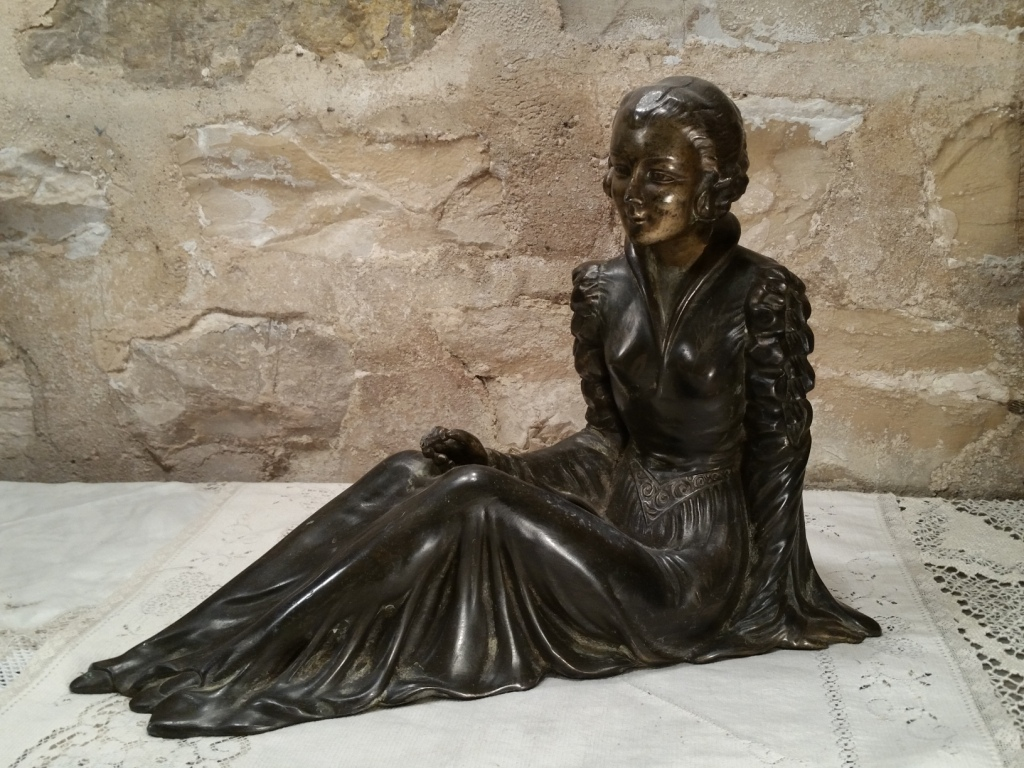 0 statue femme art deco