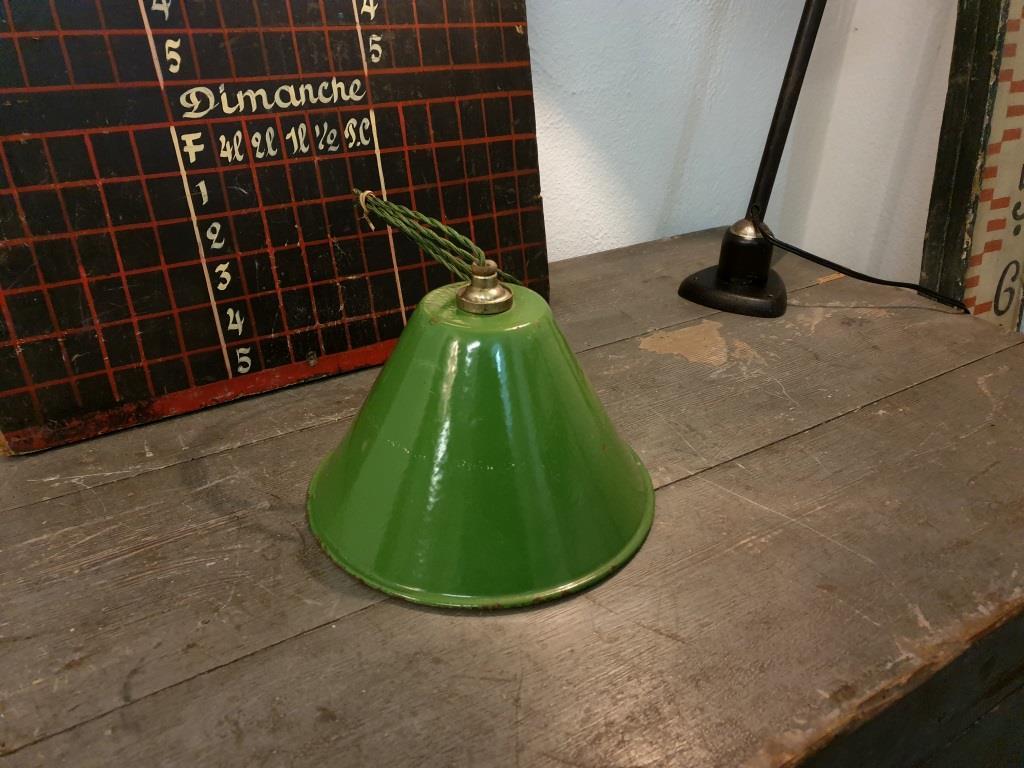 0 suspension emaillee conique verte