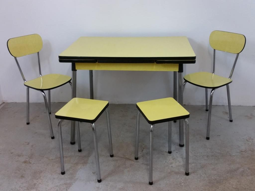 0 table chaises tabourets formica jaune