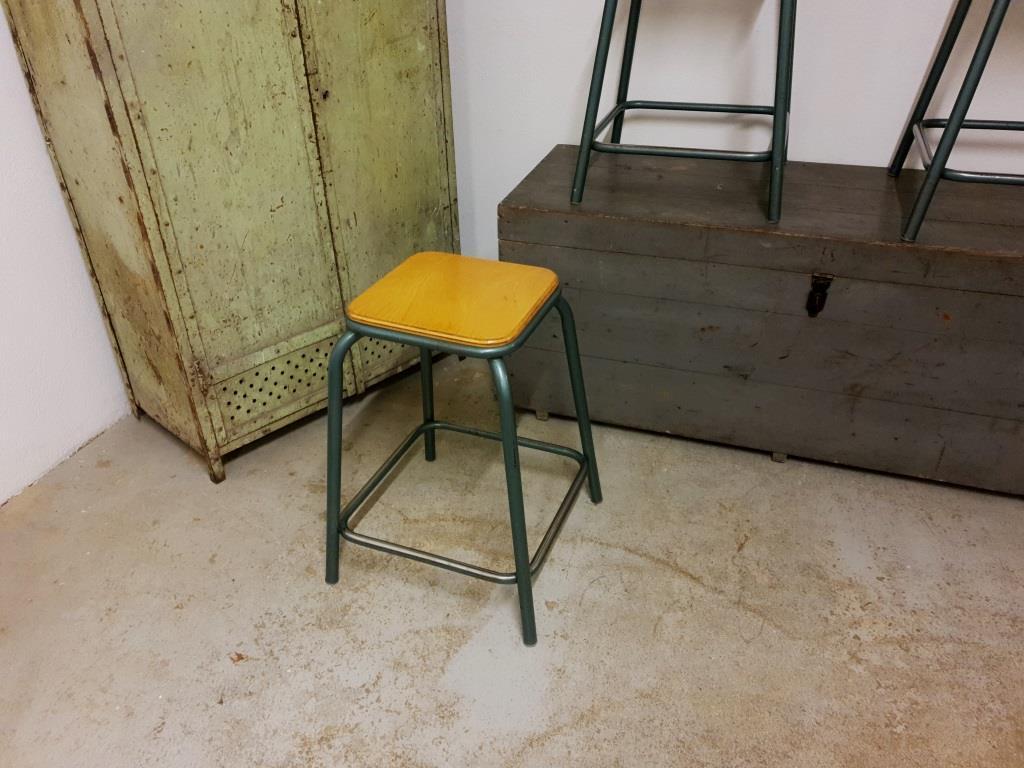 0 tabouret d atelier 1