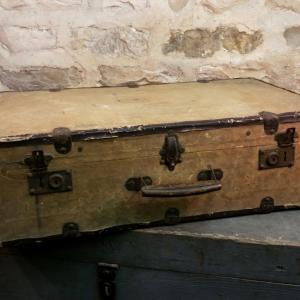 0 valise en bois