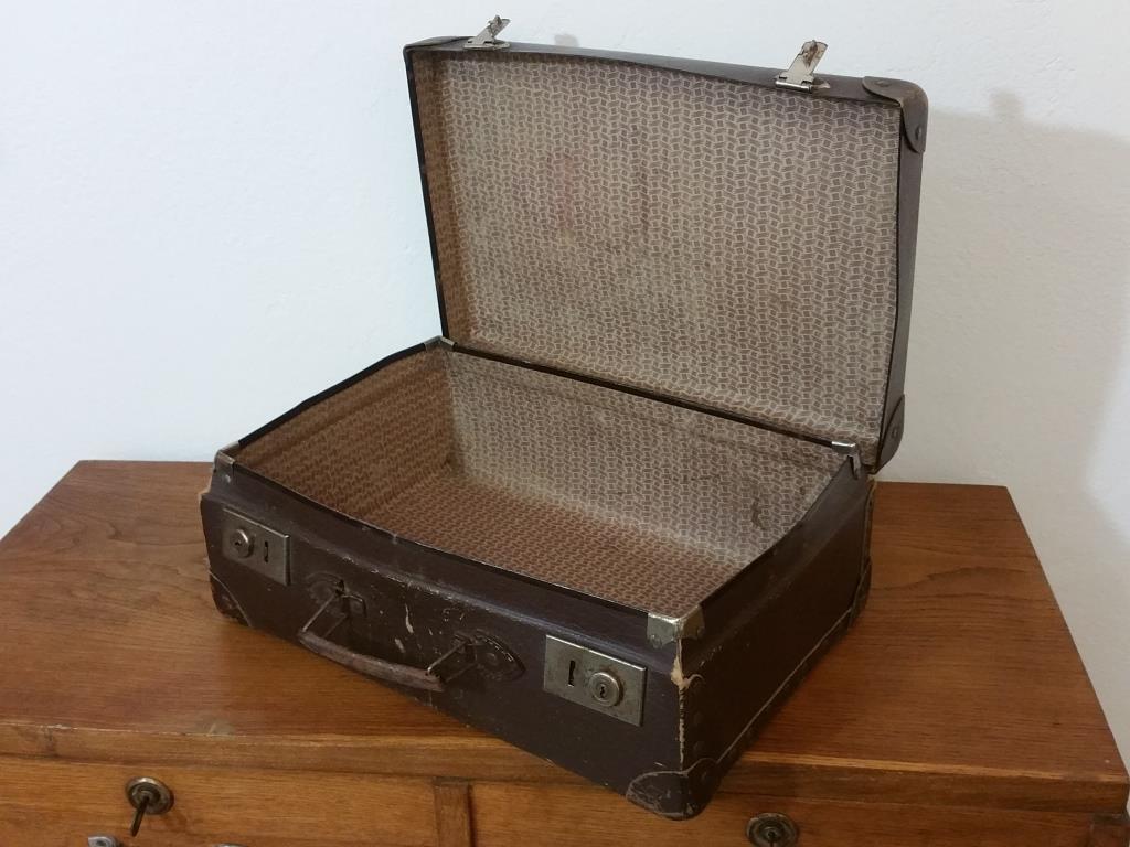 0 valise en carton bouilli marron