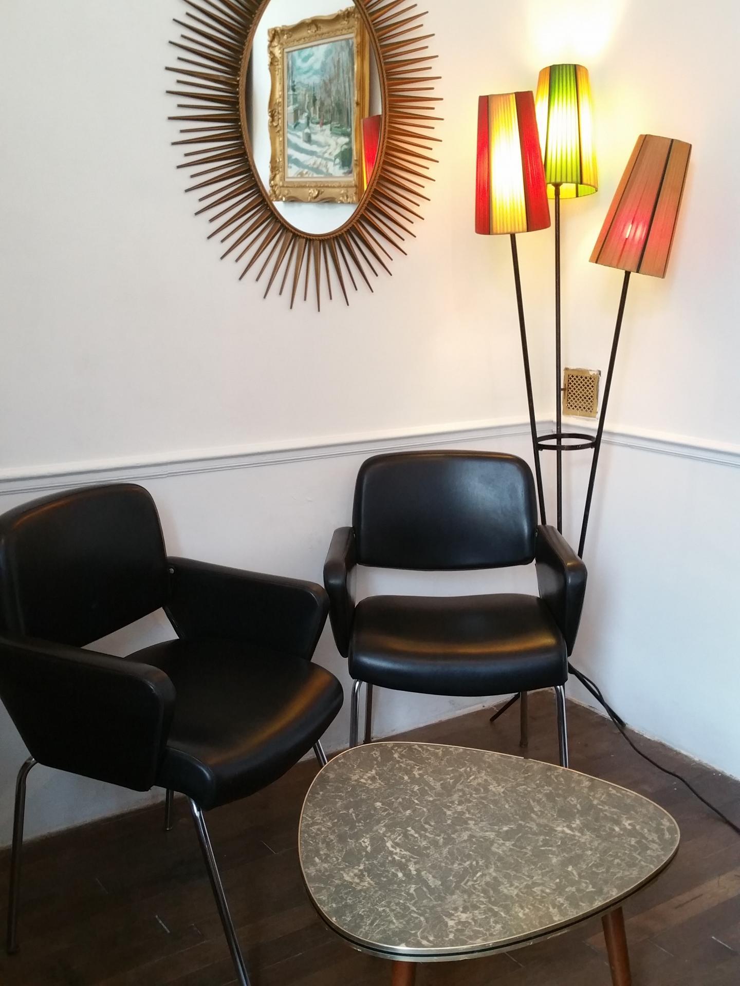 00 paire de fauteuils skai noir