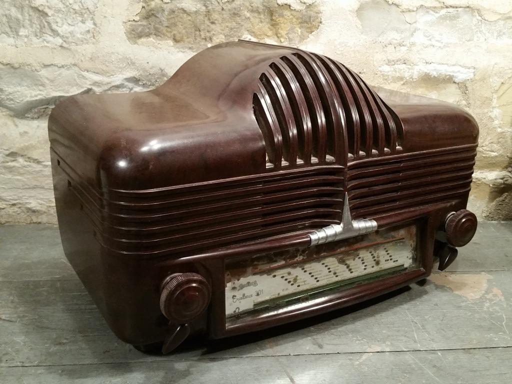 00 poste radio calandre