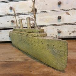 Paquebot jouet ancien