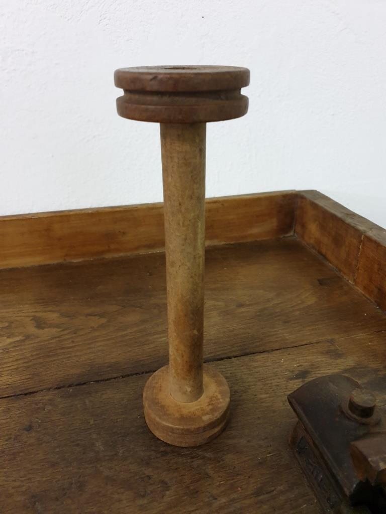 01 bobine de fil en bois