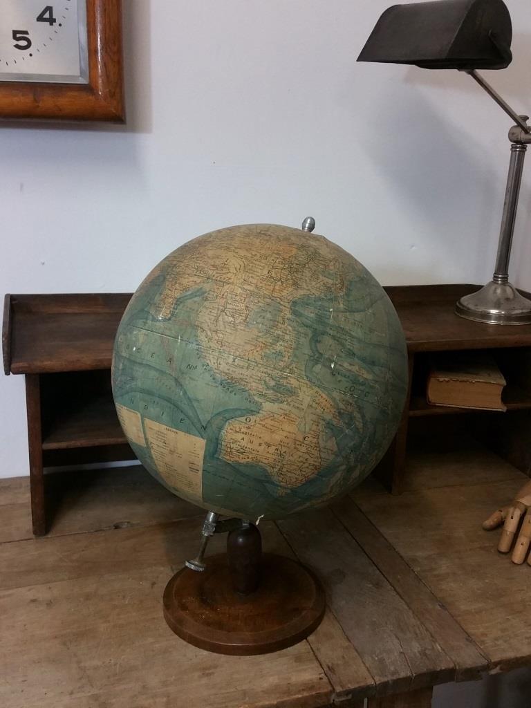 01 globe terrestre forest