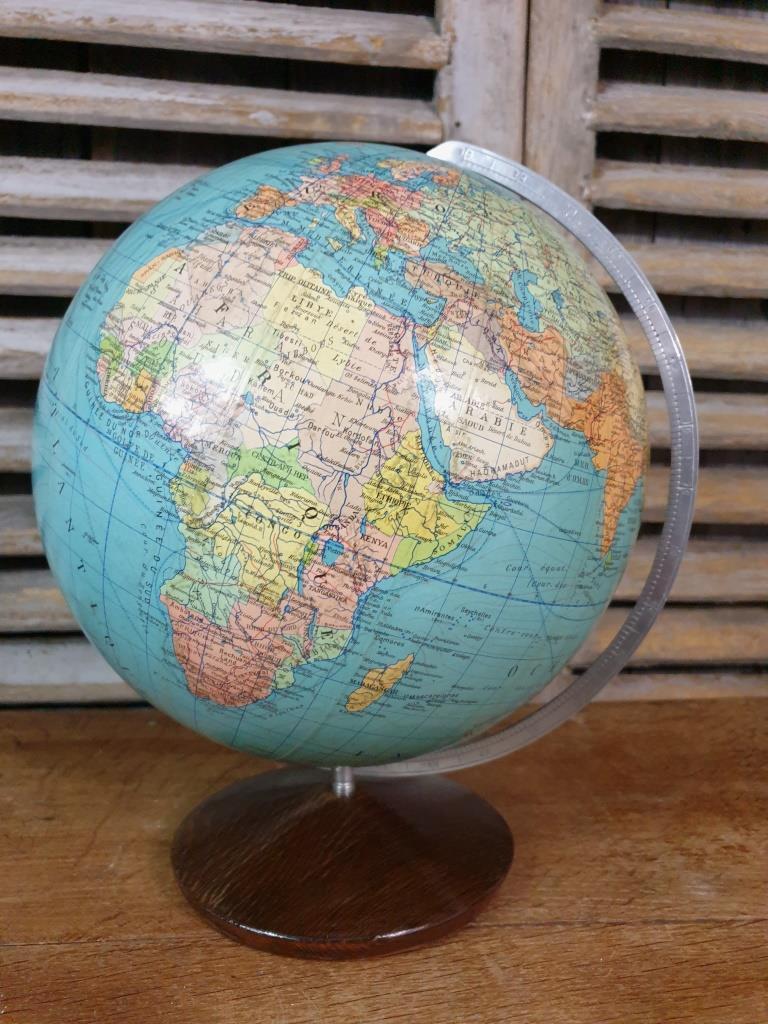 01 globe terrestre