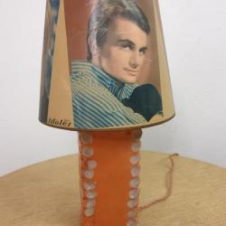 Lampe YéYés
