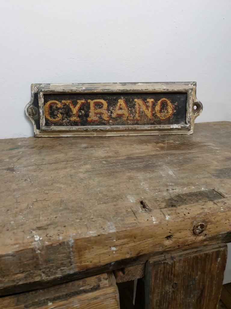 01 plaque ecurie cyrano