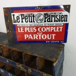Plaque Le Petit Parisien