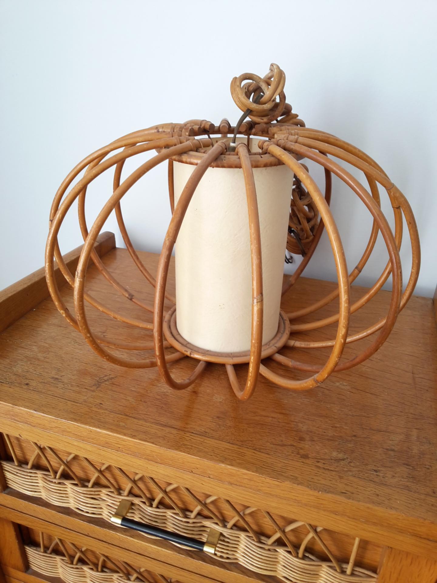 lustre vintage en osier. Black Bedroom Furniture Sets. Home Design Ideas