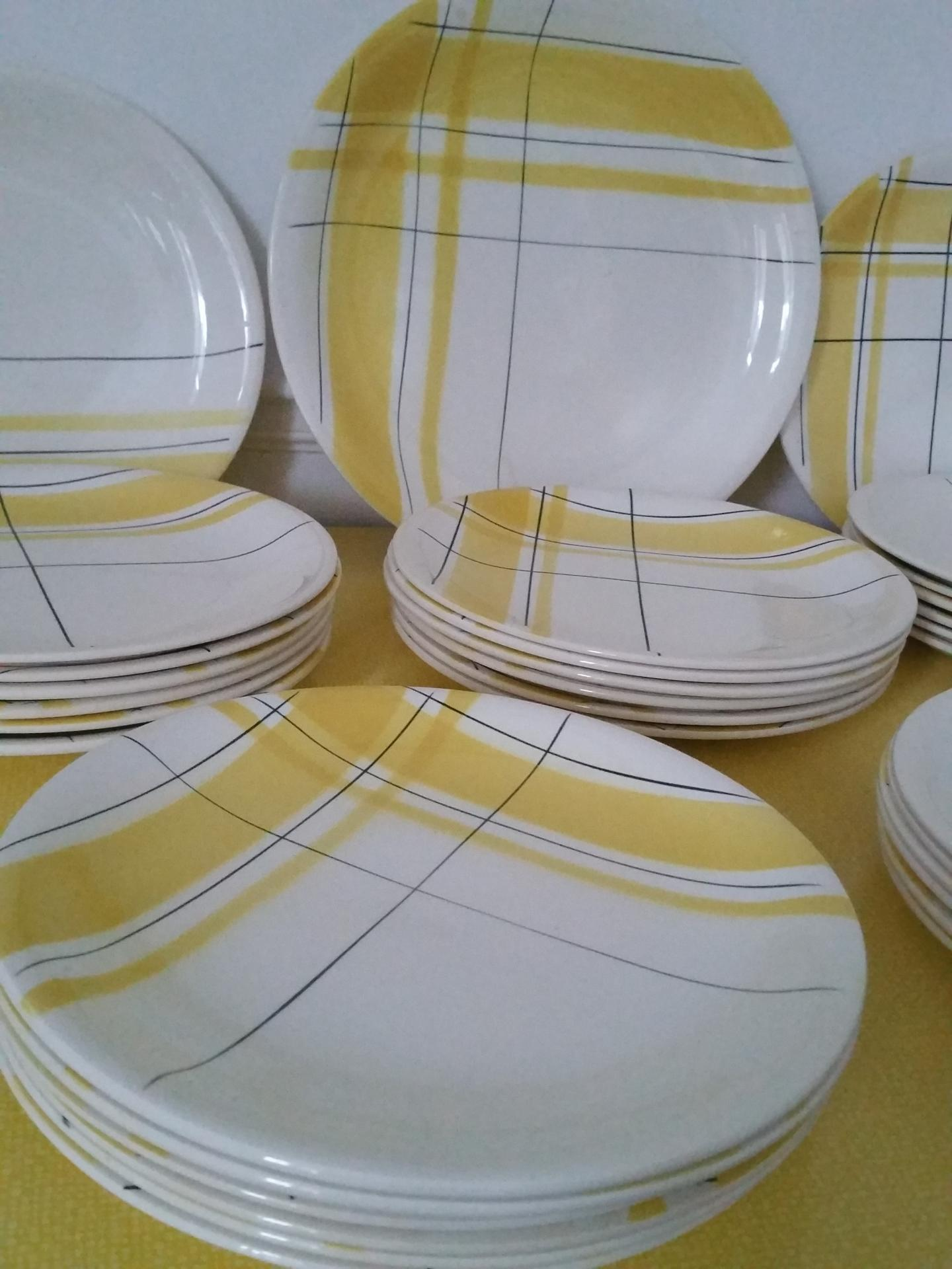 1 assiettes salin montreal jaune