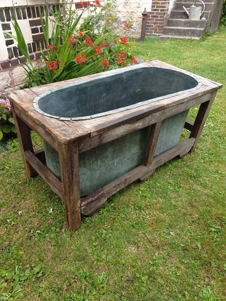 1 baignoire cuivre et bois