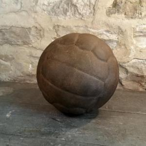 1 ballon de foot cuir