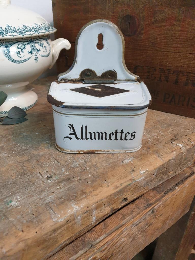 1 boite allumettes emaillee