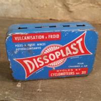 1 boite de rustines dissoplast