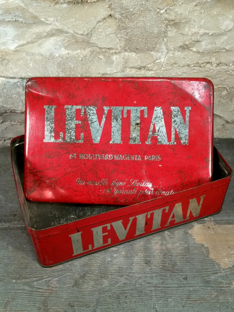 1 boite levitan