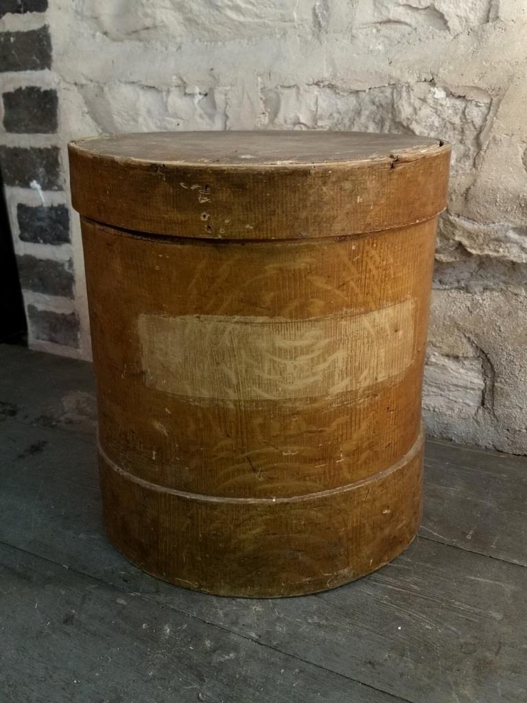 1 boite ronde en bois