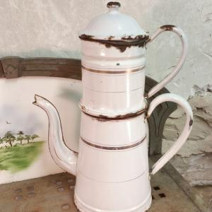 1 cafetiere emaillee blanche grande