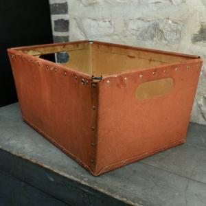 1 caisse de bonneterie 2