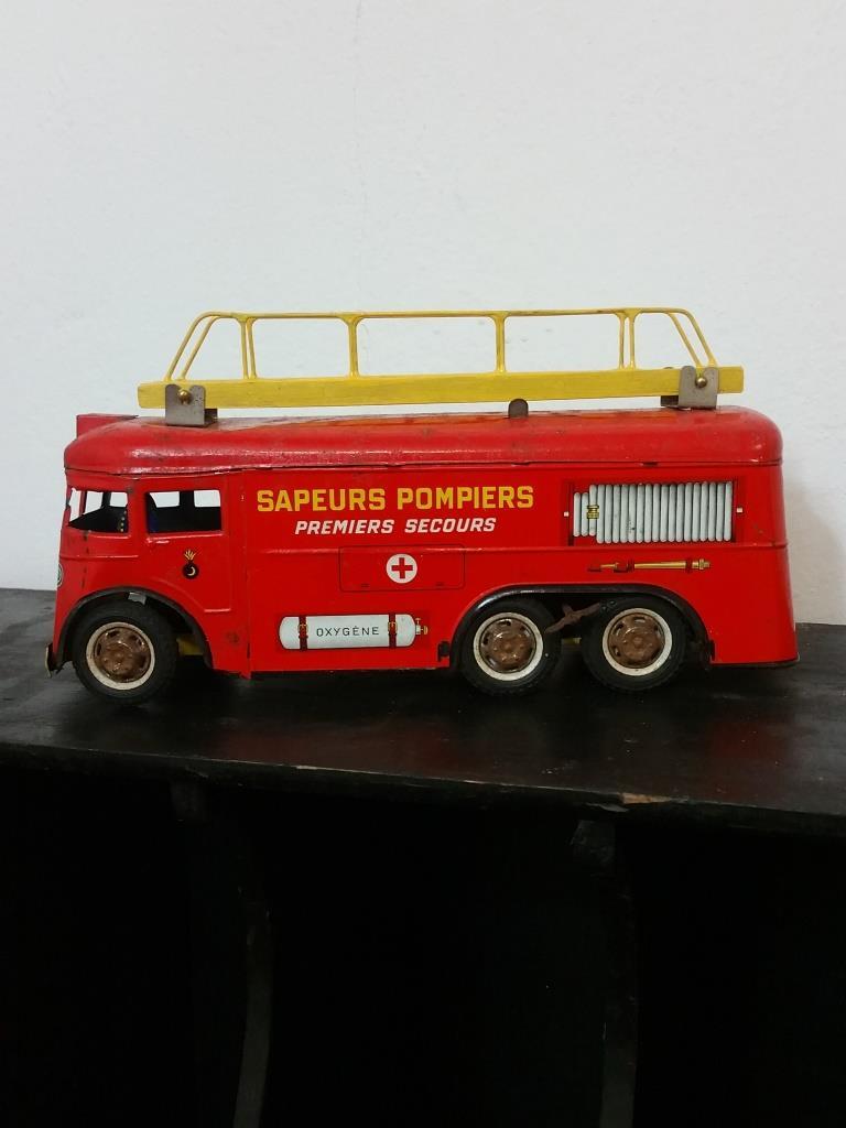 1 camion de pompier joustra