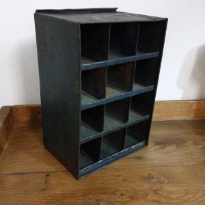 1 casier d atelier