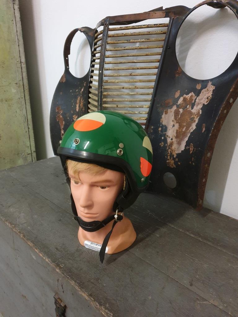 1 casque bol vert nolan
