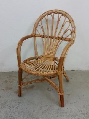 1 chaise en rotin enfant