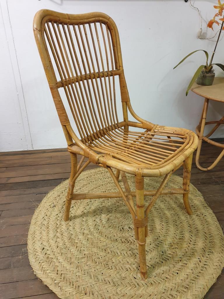 1 chaise en rotin