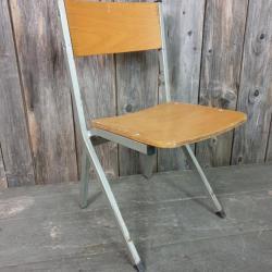 1 chaise enfant vintage