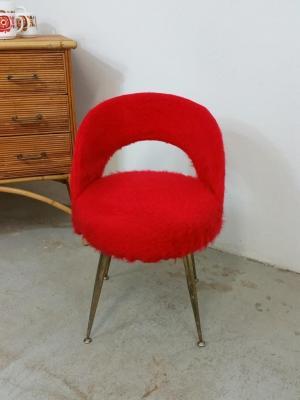 Chaise tonneau moumoute