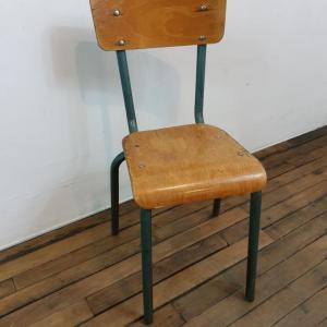 1 chaise mulcca enfant