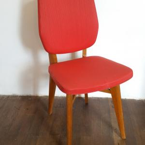 1 chaise rouge