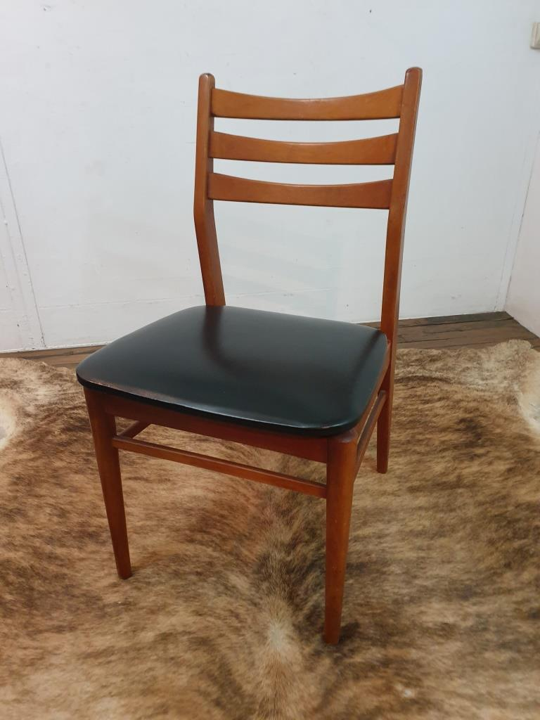 1 chaise scandinave