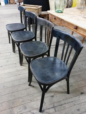1 chaises bistrot noires