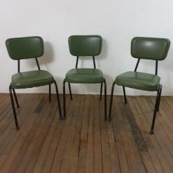 1 chaises vertes vintage