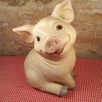 1 cochon de boucherie charcuterie
